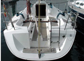 Rent a sailboat in Vigo  - Elan 31 Performance