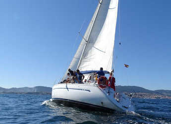 Rent a sailboat in Vigo  - Bavaria 38