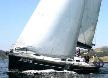 Rent a sailboat in Vigo  - Elan Performance 37