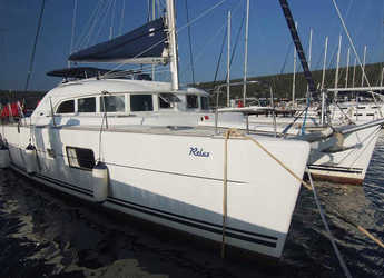 Rent a catamaran in Punat - Lagoon 380 S2 (4+2 cab)