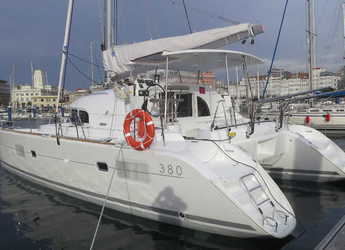 Rent a catamaran in Club Naútico de Sant Antoni de Pormany - Lagoon 380