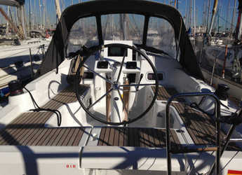 Rent a sailboat in Port Olimpic de Barcelona - Oceanis 31