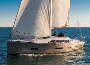 Rent a sailboat in Marina Kremik - Dufour 382 GL