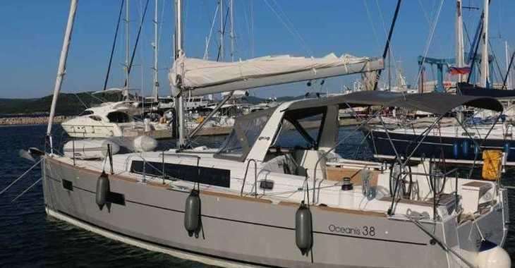 Rent a sailboat in Marina Kornati - Oceanis 38