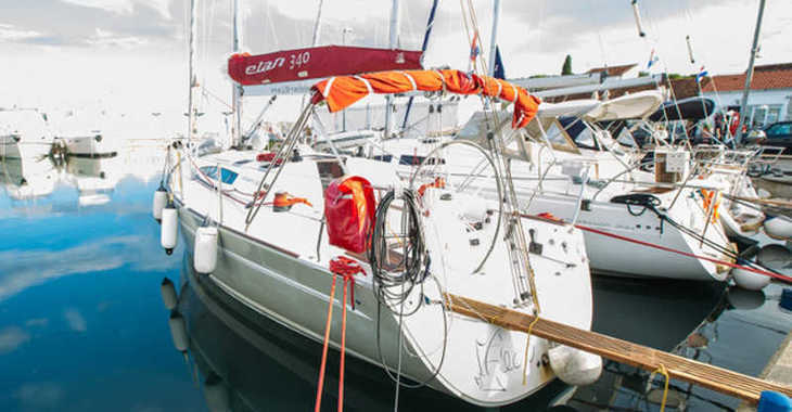 Rent a sailboat in Marina Kornati - Elan 340