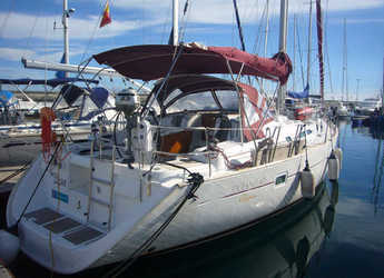 Rent a sailboat in Marina del Sur. Puerto de Las Galletas - Beneteau Clipper 42.3