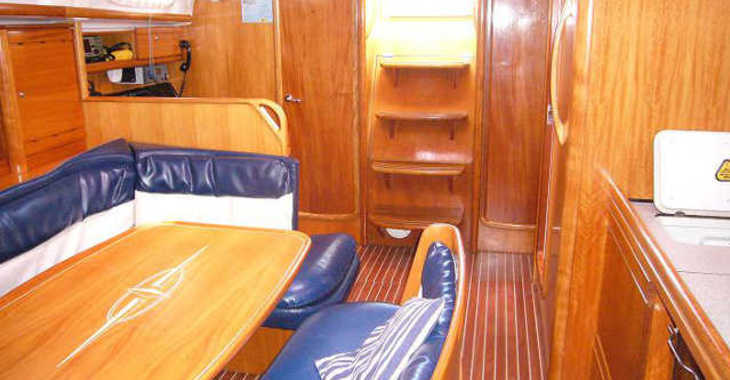 Rent a sailboat Bavaria 39 Cruiser-8 in Port of Santa Cruz de Tenerife, Tenerife