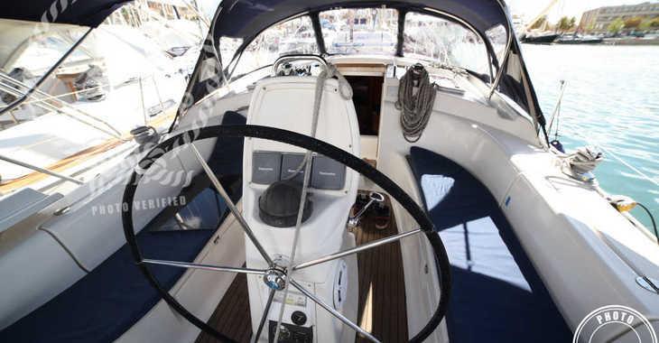 Rent a sailboat in Muelle de la lonja - Bavaria 39 Cruiser-8