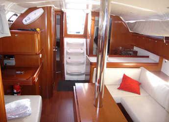 Rent a sailboat Oceanis 37 in Marina del Sur. Puerto de Las Galletas, Las Galletas