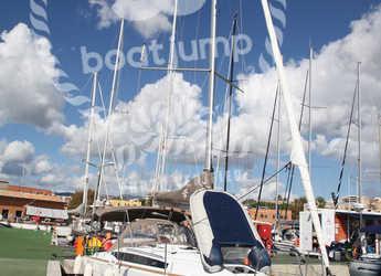 Rent a sailboat in Muelle de la lonja - Sun Odyssey 349