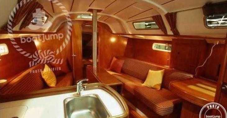 Rent a sailboat Oceanis Clipper 311 in Club Náutico Ibiza, Ibiza (city)