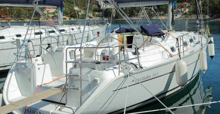 Rent a sailboat in Rogač - Beneteau Cyclades 39.3