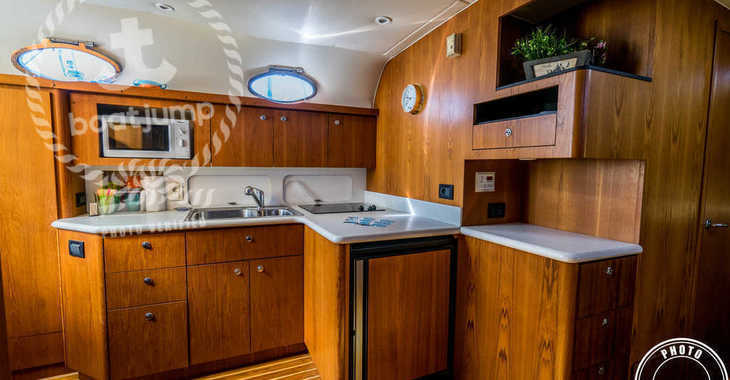 Rent a yacht in Club Nautic Cambrils - Tiara 4000 Express