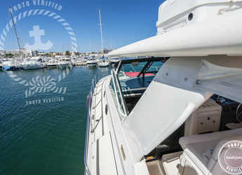 Chartern Sie yacht in Club Nautic Cambrils - Tiara 4000 Express