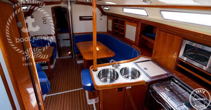 Rent a sailboat in Port of Santa Eulària  - Hanse 411