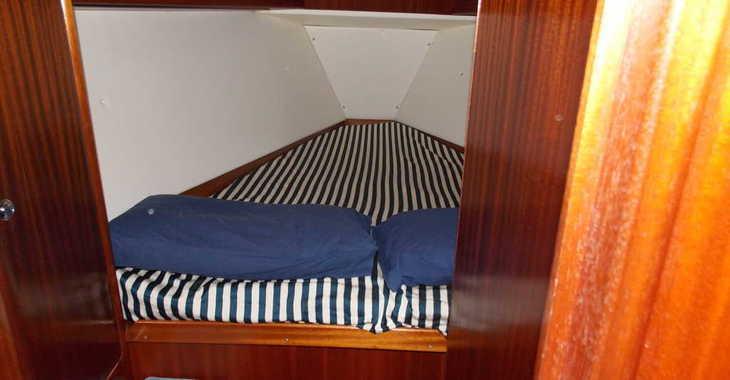 Rent a sailboat in Marina Porto Cristo - Bavaria 42