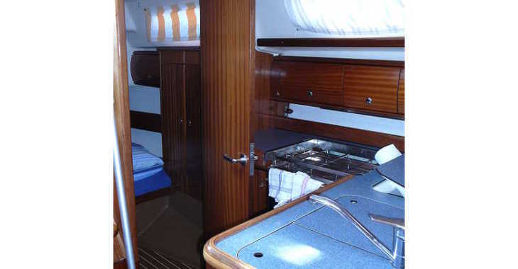 Rent a sailboat in Marina Sukosan (D-Marin Dalmacija) - Bavaria 36
