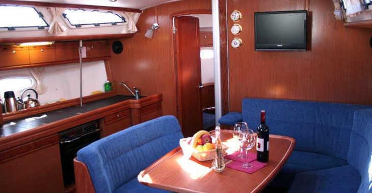 Rent a sailboat in Marina Hramina - Bavaria 40 C