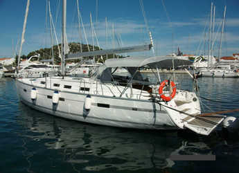 Rent a sailboat in Marina Hramina - Bavaria 45 C
