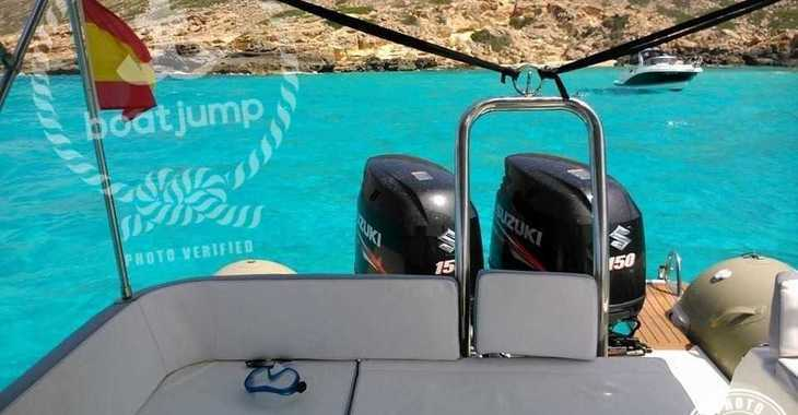 Rent a dinghy in Club de Mar - Zodiac N-ZO 760