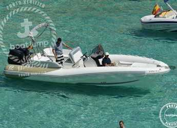 Rent a dinghy in Club de Mar - Zodiac N-ZO 760
