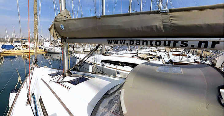 Rent a sailboat in Marina Frapa - Dufour 34 Performance