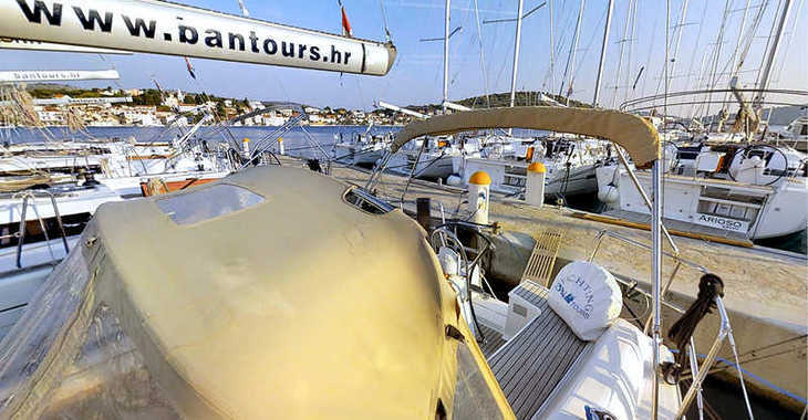 Rent a sailboat in Marina Frapa - Dufour 325 Grand Large