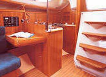 Rent a sailboat Sun Odyssey 32 in Marina Betina, Betina