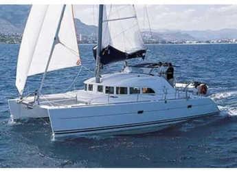 Rent a catamaran Lagoon 380 in Marina Betina, Betina