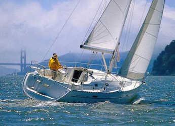 Rent a sailboat Oceanis 331 in Marina Betina, Betina