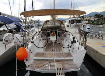 Rent a sailboat in Marina Kastela - Dufour 350
