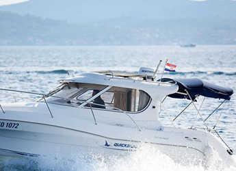 Rent a motorboat in Marina Zadar - Quicksilver 750