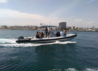 Rent a motorboat Protector W4 in Marina Deportiva Alicante, Alicante