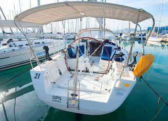 Rent a sailboat in Marina Kastela - Beneteau First 35