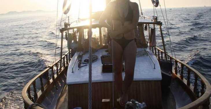 Rent a motorboat in Marina Zadar - Model Tiho