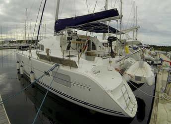 Rent a catamaran in Marina Mandalina - Lagoon 380 S2