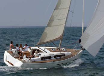 Rent a sailboat in Marina Mandalina - Dufour 375 GL