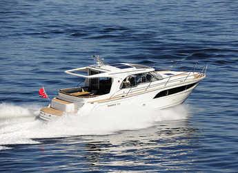 Rent a motorboat in Marina Mandalina - Marex 375
