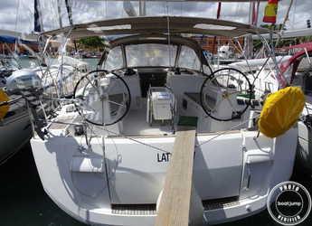 Chartern Sie segelboot in Muelle de la lonja - Sun Odyssey 509