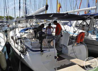 Rent a sailboat in Muelle de la lonja - Bavaria 46 Cruiser