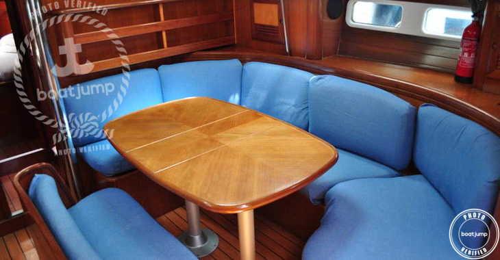 Rent a sailboat in Muelle de la lonja - Oceanis 411-4