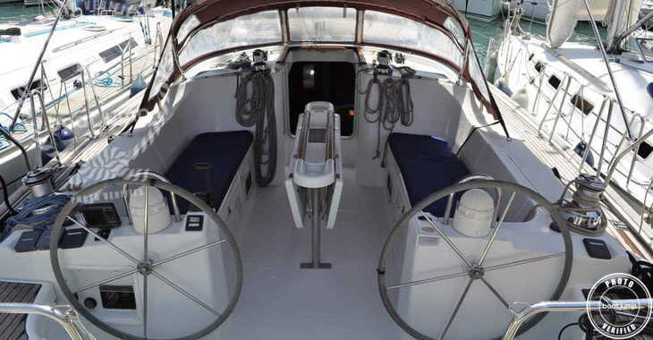 Rent a sailboat in Muelle de la lonja - Oceanis 473