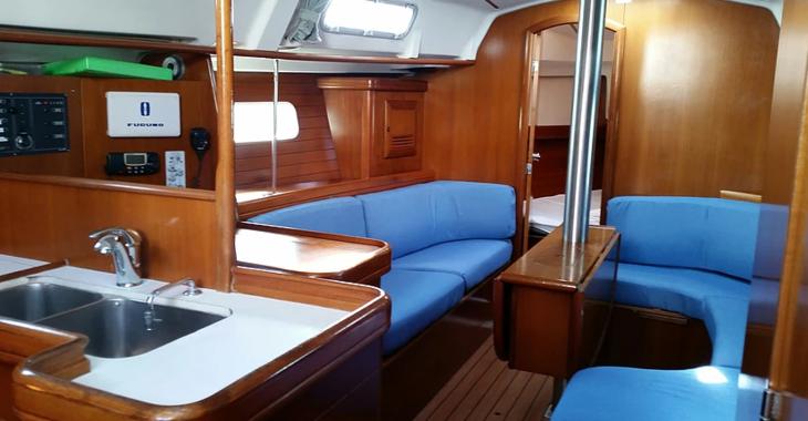 Rent a sailboat in Muelle de la lonja - Oceanis 361