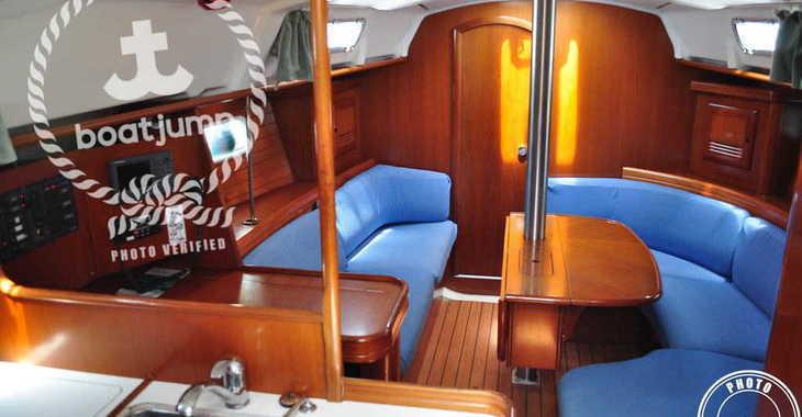 Rent a sailboat Oceanis 361 in Muelle de la lonja, Palma de mallorca