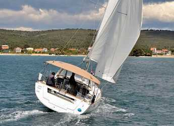 Rent a sailboat in Marina Sukosan (D-Marin Dalmacija) - OCEANIS 45 BT