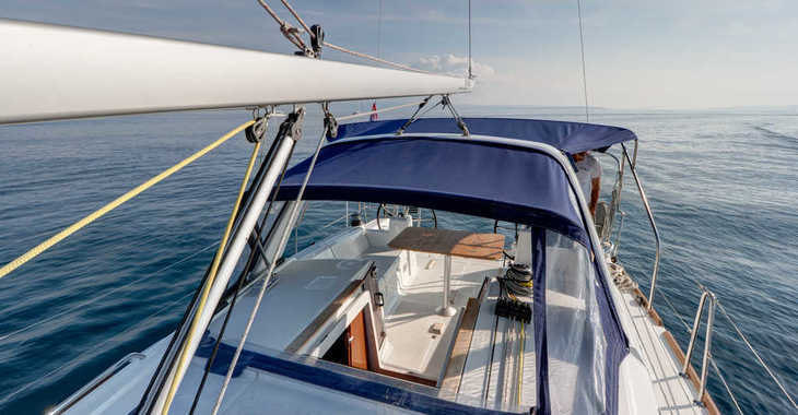 Rent a sailboat in Split (ACI Marina) - Beneteau Oceanis 35