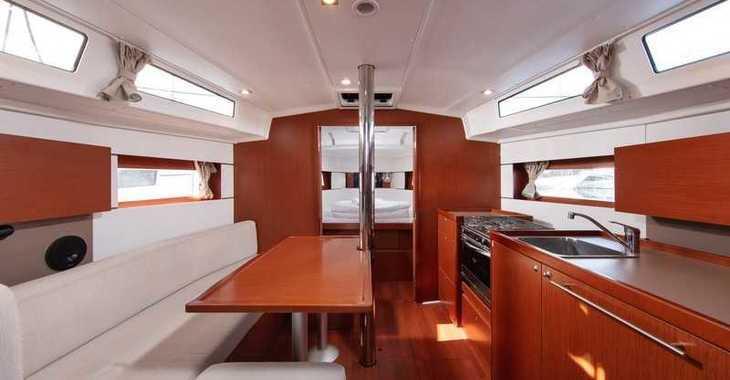 Rent a sailboat in Split (ACI Marina) - Beneteau Oceanis 38.1