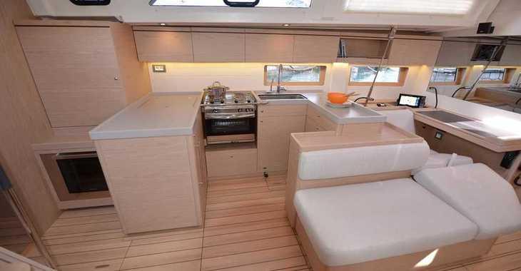 Rent a sailboat in Alimos Marina Kalamaki - Oceanis 51.1