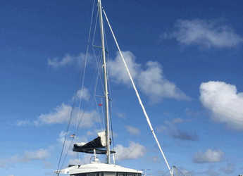 Rent a catamaran in Maya Cove, Hodges Creek Marina - Lagoon 52