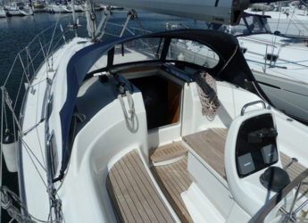 Rent a sailboat in Lidingö Gashaga Sealodge - Bavaria 30 Cruiser